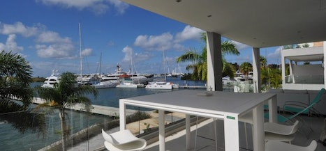 Las Brisas Lagoon Views (Private Dock)