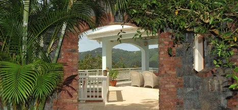 Tropical Manor