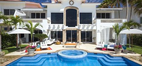Beachfront Villa 321
